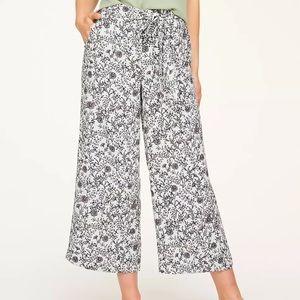 Loft Outlet PT Floral Flowy tie waist Pants